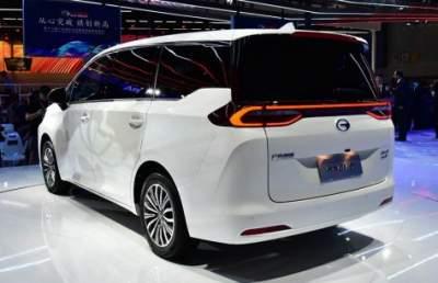 GAC shows Trumpchi GM6 Minivan